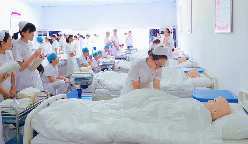 为什么男生会选护理专业——石家庄白求恩医学院