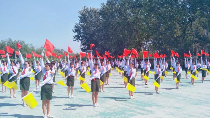 我校隆重举行2019级秋季新生开学典礼 暨军训汇报表演