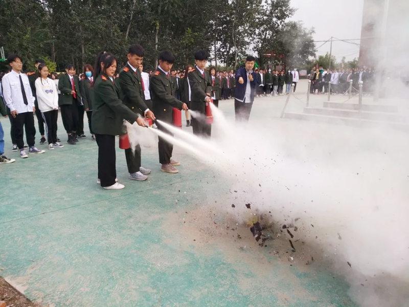 预防为主,安全第一 —— 我校进行消防知识讲座和演练活动